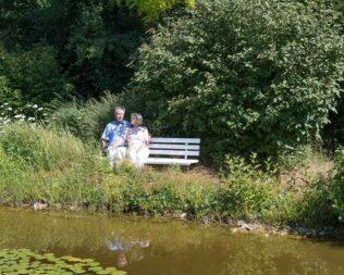 Paar am Teich
